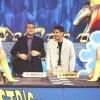 Dal 2000 al 2003, per quattro edizioni consecutive, il duo Bonolis-Laurenti dà il cambio a Iacchetti-Greggio nella conduzione del tg satirico di Canale 5, lo stesso che Bonolis batterà ripetutamente quando, passato a Raiuno, dall'ottobre del 2003 condurrà il gioco «Affari tuoi».