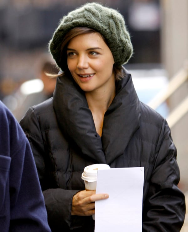 Katie Holmes durante una pausa sul set del film «The Extra man»         (foto Kika Press & Media)