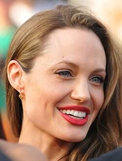 ANGELINA JOLIE, attrice, 34 anni (foto Kika Press & Media)