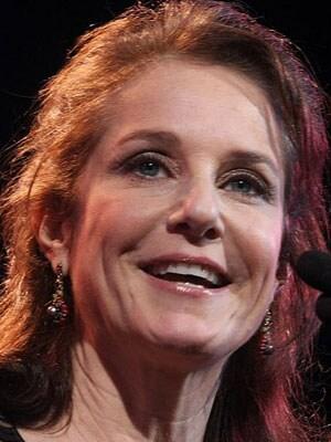 DEBRA WINGER, attrice, 54 anni