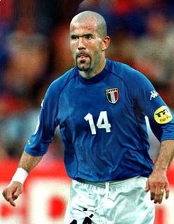LUIGI DI BIAGIO, ex calciatore, 38 anni