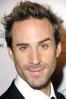 JOSEPH FIENNES, attore, 39 anni