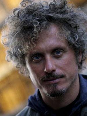 NICCOLÒ FABI, cantautore, 41 anni