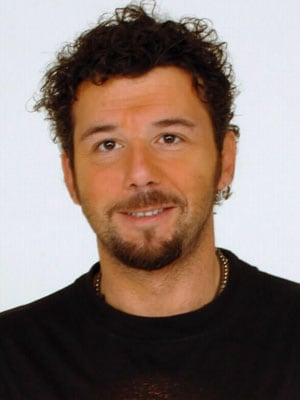 PAOLO VALLESI, cantante, 45 anni