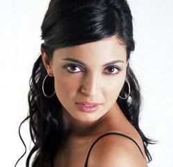 ALESSIA MANCINI, showgirl, 31 anni