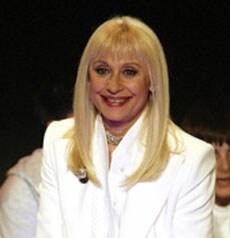 RAFFAELLA CARRÀ, conduttrice, showgirl, attrice, 66 anni
