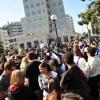 Fan di Jackson davanti all'ospedale UCLA di Los Angels (foto Kika Press & Media)
