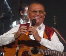 RENZO ARBORE, showman, 72 anni