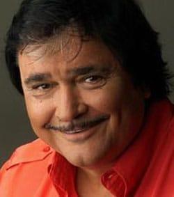 UMBERTO SMAILA, attore e cantante, 59 anni