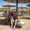 Asia insieme con la mamma Patrizia, con il papà Stefano e con «Sorrisi» in spiaggia  a Sharm El Sheik