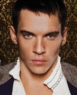 JONATHAN RHYS MEYERS, attore, 32 anni