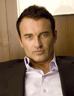 JULIAN McMAHON, attore, 41 anni