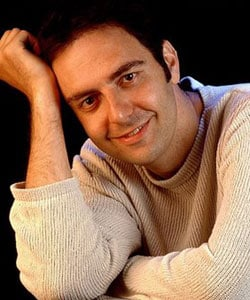 NERI MARCORÈ, attore, 43 anni