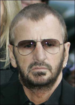 RINGO STAR, batterista Beatles, 69 anni