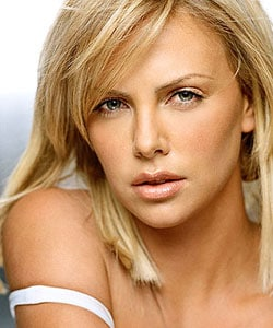 CHARLIZE THERON, attrice, 34 anni