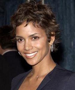 HALLE BERRY, attrice, 43 anni
