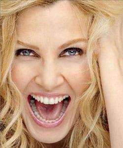 LORELLA CUCCARINI, showgirl, attrice, conduttrice, cantante, 44 anni - SFOGLIA LA FOTOGALLERY