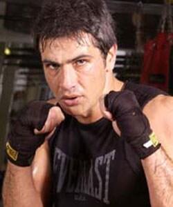 LORENZO CRESPI, attore, 38 anni