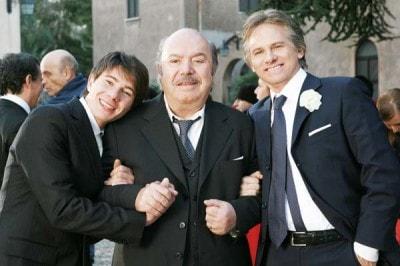 Ciccio (Michael Cadeddu) insieme con nonno Libero (Lino Banfi) e Lele (Giulio Scarpati)