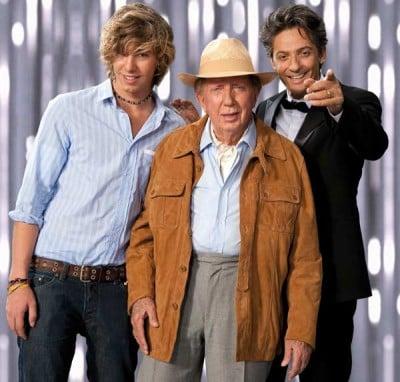 Mike Bongiorno con Fiorello (a destra) e il figlio Leonardo sul set dello spot Win Infostrada