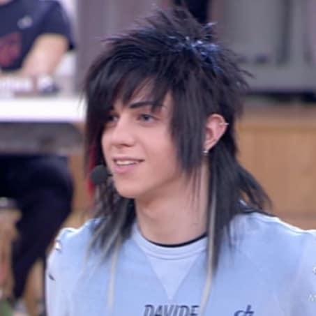 Davide Flauto (Magenta, 16 febbraio 1998) - Cantante. Ha fatto parte della squadra della Luna ed è alunno di Charlie Rapino.