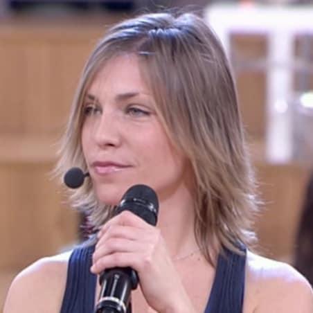Loredana Errore (Bucarest, 27 ottobre 1984) – Cantante. Ha fatto parte della squadra del Sole ed è alunna di Charlie Rapino.