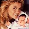 1985: la neomamma Milly con la figlia Angelica Krystle