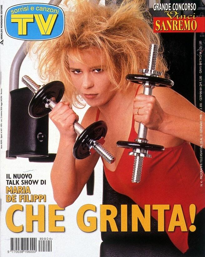 1998: Maria presenta a Sorrisi il talk Accadde domani