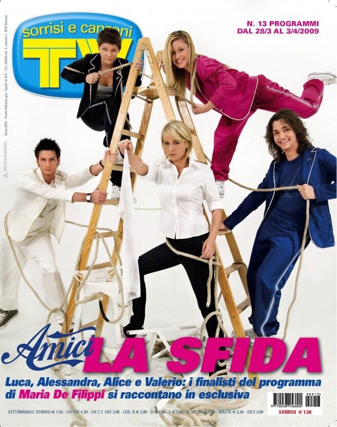 2009: Maria e i finalisti di Amici 8: Alessandra Amoroso, Valerio Scanu, Luca Napolitano e Alice Bellagamba