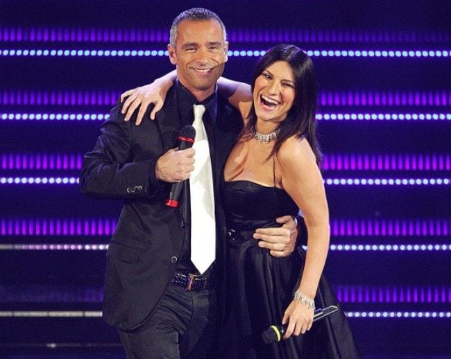 Laura Pausini con Eros Ramazotti - Volare (Directo)