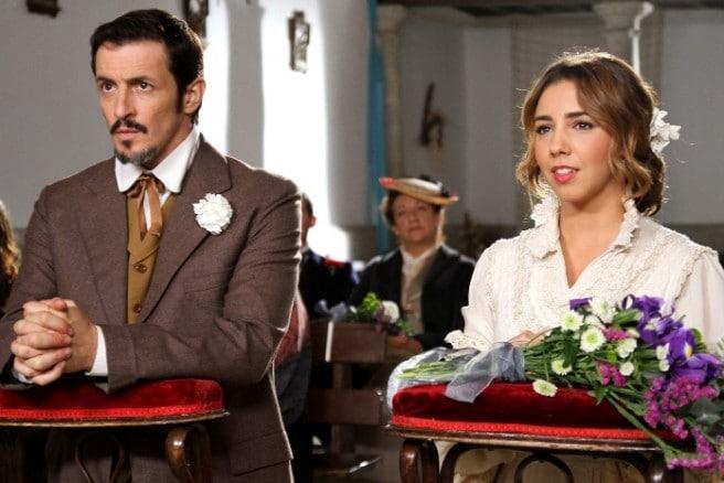 ERNANDO CORONADO (ALFONSO CASTANEDA) E SANDRA CERVERA (EMILIA ULLOA)