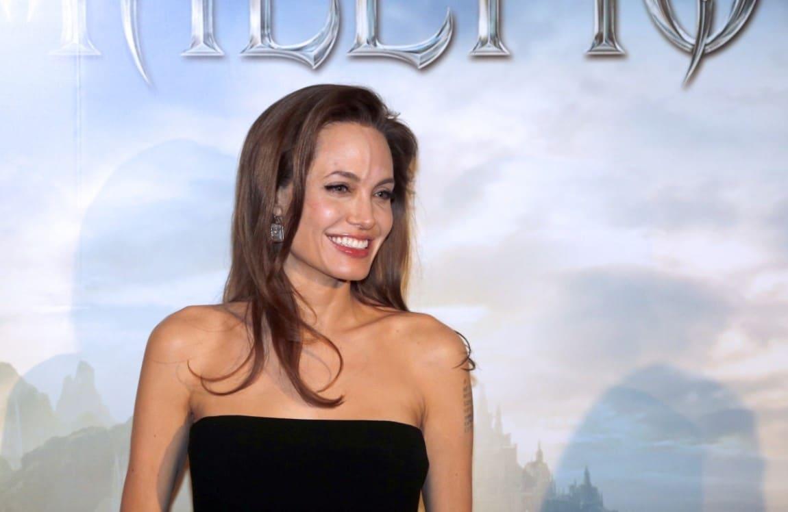 Angelina jolie i suoi primi 40 anni in 10 curiosit tv sorrisi e canzoni - Diva futura provini ...