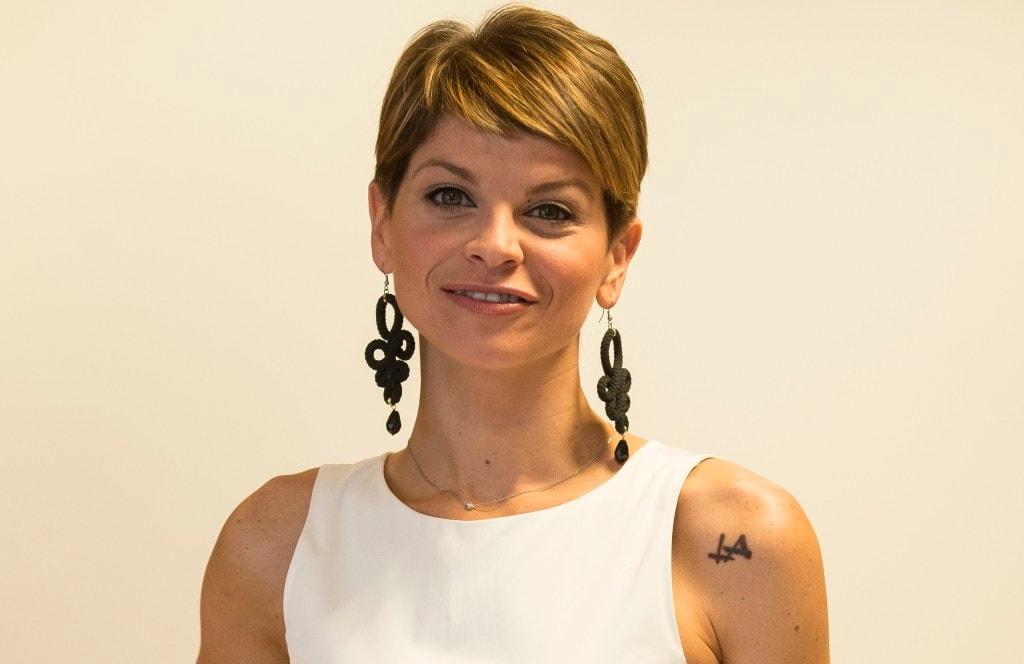 Alessandra Amoroso Con I Capelli Corti I Fan La Criticano