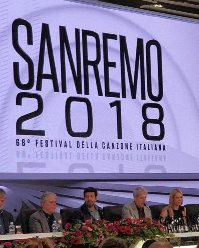 Michelle Hunziker indossa Trussardi a Sanremo, critiche sui social