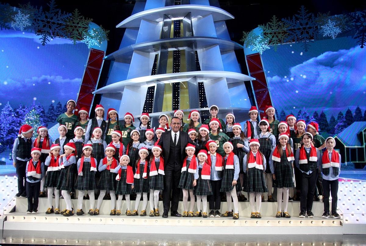 Canzoni Di Natale Zecchino D Oro.Le Canzoni Di Natale Piu Amate Curiosita Aneddoti E Autori Tv
