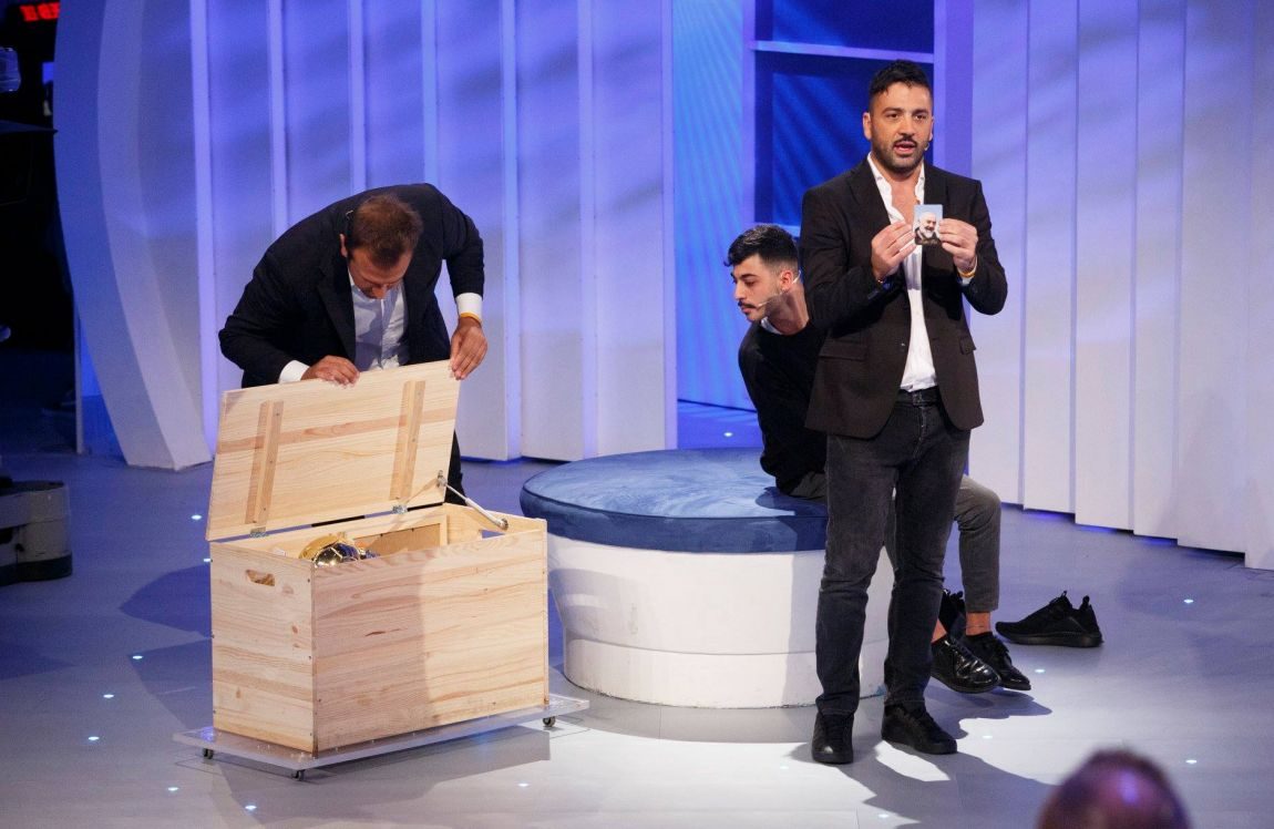 C E Posta Per Te Balotelli Pio E Amedeo Alessandra Amoroso E Le Storie Della Quinta Puntata Tv Sorrisi E Canzoni